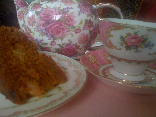 Tea and rhubarb cake